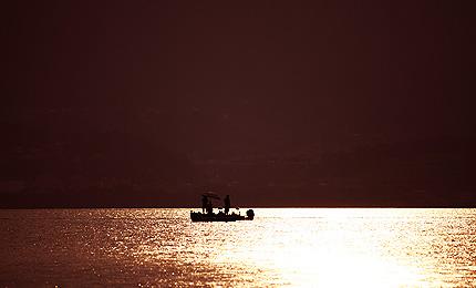 2010_0727bassboat.jpg